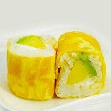 Ombelette rolls Avocat cheese